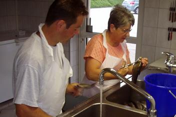 Fischverarbeitung forellenzucht kr iligen for Teichreinigung mit fischen